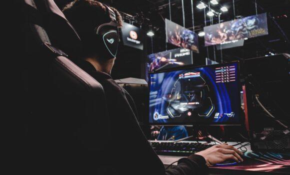 Xbox від Microsoft переходить на ПК, Smart TV та Clouds. Відеоігри на заміну ТВ?